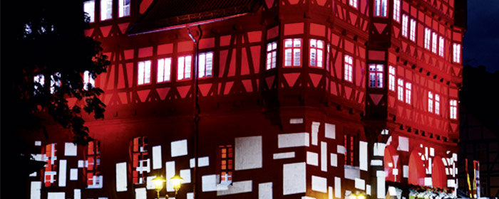 Beleuchtetes-Rathaus